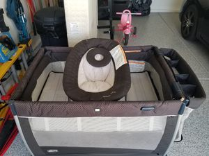 Chicco Lullaby Dream Pack n Play for Sale in Henderson, NV