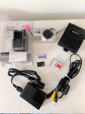 Sony cibershot camera for Sale in Miami, FL
