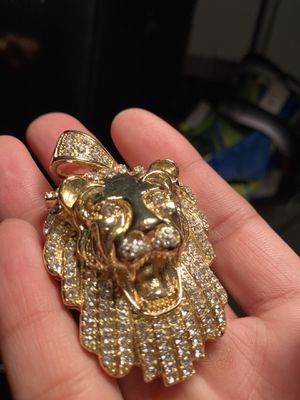 Gold Lion Pendant for Sale in Kennewick, WA