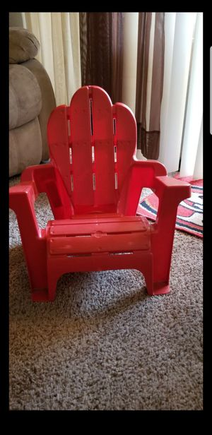 Kids Plastic Lawn Chair for Sale in Fresno, CA
