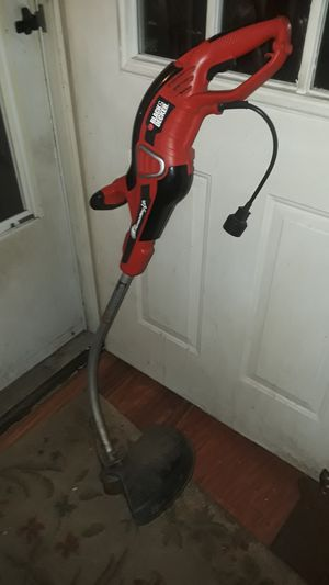 "14"" cut Black and decker Electric weed eater for Sale in Lexington, KY"