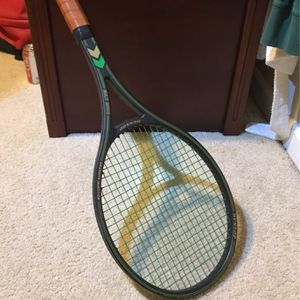 Dunlop MAX 200G Tennis Racket for Sale in Damascus, OR