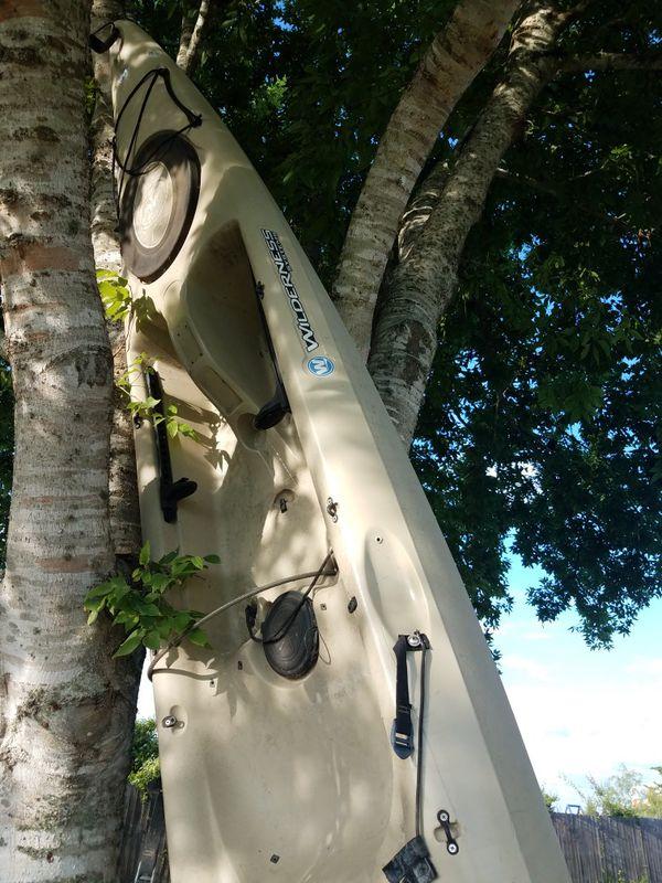 Kayak tarpon 140 14ft.