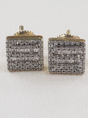 14k yellow gold with 0.50 carat brilliant cut diamonds brand new stud earrings for Sale in Arlington, TX