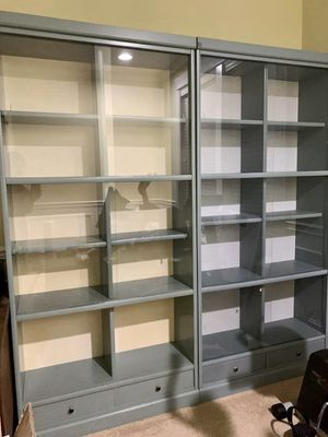 Beautiful Pair of Bookcases Bookshelves for Sale in Federal Way, WA