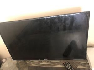 Sharp 32 inch tv for Sale in Oakland, CA