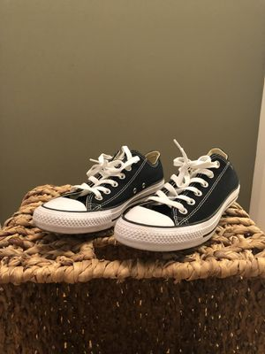 Converse CHUCK TAYLOR All Star Low Top Unisex Canvas Shoes Sneaker ( US Size:7) for Sale in Miami, FL