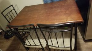 Small kitchen table 4 chairs for Sale in Humble, TX