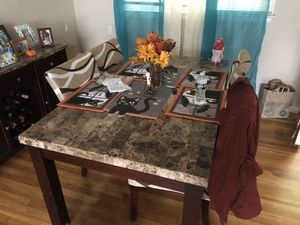 Dining room table for Sale in North Caldwell, NJ