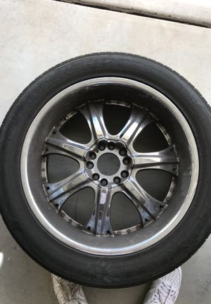 "Universal 22"" rims and tires for Sale in Laveen Village, AZ"