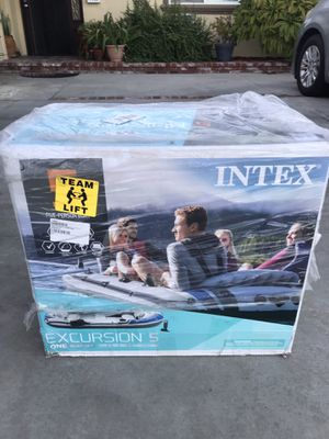 Intex Excursion 5, 5-Person Inflatable Boat Set w/ Aluminum Oars & Air Pump for Sale in Garden Grove, CA
