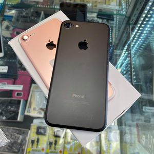iPhone 7 32gb AT&T, Cricket and Straight talk AT&T like new $175 each for Sale in Raleigh, NC