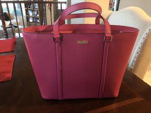 Like new large Kate spade leather pink tote purse for Sale in Glendale, AZ