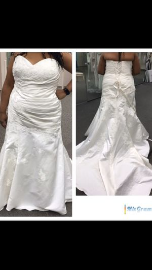 Plus Size Wedding Dress for Sale in Columbus, OH