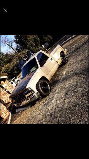 1989 chevy silverado titulo linpio el chasis 290 millas el motor 115 minllas corre fuerte despega vien partes nuevas en el motor y llantas nuevas for Sale in Sacramento, CA
