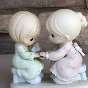 Precious Moments YOU ARE ALWAYS THERE FOR ME Figurine 1996 SJB GYM FUND for Sale in Costa Mesa, CA