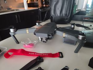 Mavic pro w/EXTRAS! for Sale in Clearwater, FL