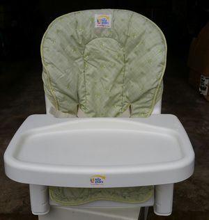 First Years Booster Seat with Tray for Sale in Gaithersburg, MD