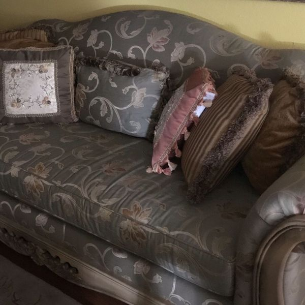 8 Foot Couch - Pick Up Only $300.00 - Mint Condition + Extras