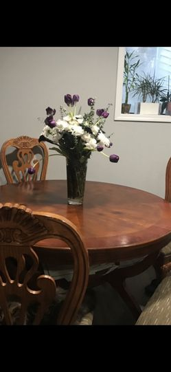Table And chairs for Sale in Auburn,  WA