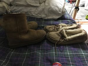 2 pairs of women's ugg for Sale in Bellflower, CA