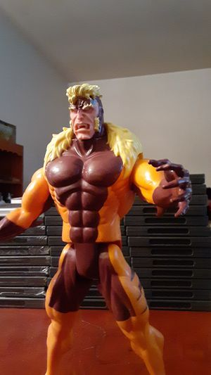 """Vintage X-Men Deluxe Edition 10"""" Sabertooth Action Figure for Sale in Hillsboro, OR"""