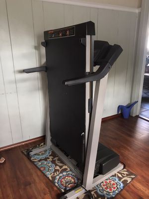 Pro-form CR-610 Treadmill, 100% working, Speed/Incline Adjustable for Sale in Providence, RI