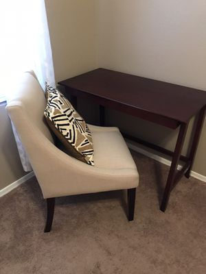 Chair and Desk for Sale in Phoenix, AZ
