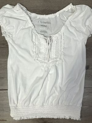 White sleeveless top with lace and bow tie, Medium for Sale in York, PA