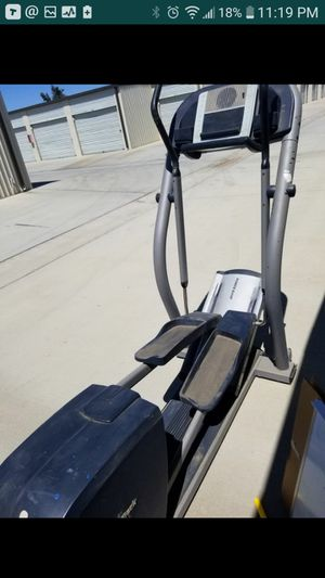 $400 NordicTrack CX 1055 Elliptical - Fitness Workout Health Home Gym for Sale in Perris, CA