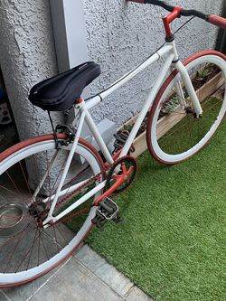 """White 35"""" DTLA Fixie With Red Trim for Sale in Los Angeles,  CA"""