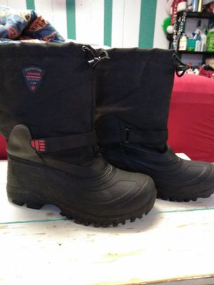 Snow Boots (like new) Men's Size 11 for Sale in St Louis, MO