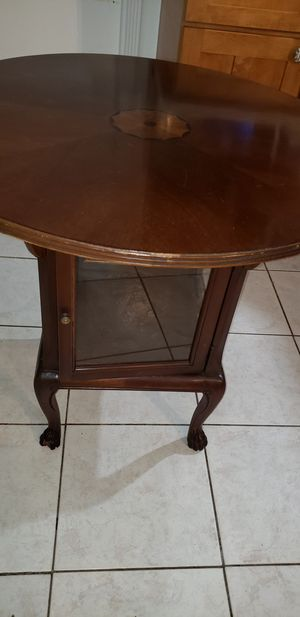 Very nice antique display table for Sale in Coral Gables, FL