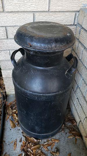 Rustic milk can vintage antique for Sale in Bastrop, LA