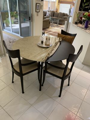 Kitchen table and 4 chairs excellent condition for Sale in Boca Raton, FL