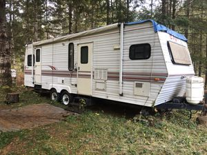Jayco Eagle Travel Trailer - Fixer Upper 1996 28ft roof leaked for Sale in Gig Harbor, WA