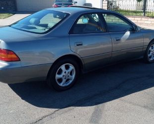 Daily drive LEXUS ES300 for Sale in San Diego,  CA