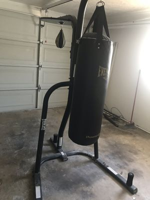 Boxing bag for Sale in Tarpon Springs, FL