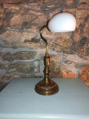 Vintage lamp for Sale in St. Louis, MO