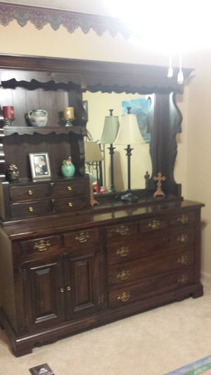 Solid wood dresser for Sale in Statesboro, GA