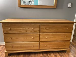 5 Piece Queen Bedroom Set for Sale in Bloomingdale, IL
