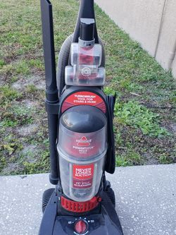 Bissell Powerforce Vacuum - Price Reduced for Sale in Apollo Beach,  FL