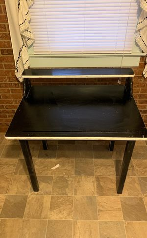 FREE Wooden Desk for Sale in Columbus, OH