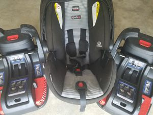 Britaxb35 Car seat with base (2) for Sale in Ocala, FL