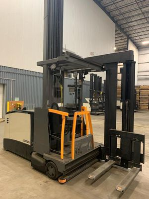Forklift - 2007 Crown TSP 6000 Electric Swing Reach for Sale in Jersey Shore, PA
