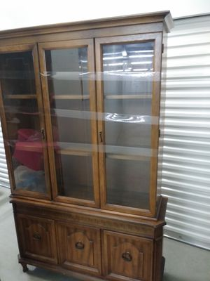 Antique china cabinet for Sale in Allen Park, MI