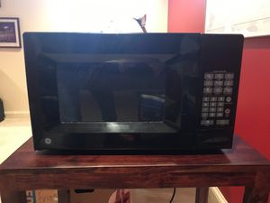 Microwave for Sale in Pimmit Hills, VA