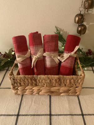 4 NEW RED & WHITE COTTON KITCHEN TOWELS for Sale in Thousand Oaks, CA