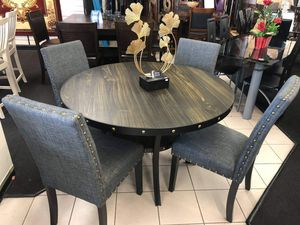 New light walnut round 5pc dining set with gray fabric chairs and nailhead trim for Sale in Pomona, CA