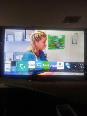 46 inch samsung smart tv led tiene cuenta de neflix gratis for Sale in Lynwood, CA